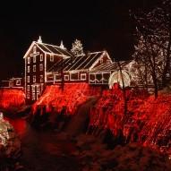 Jak bezpiecznie zamontować świąteczne ozdoby
