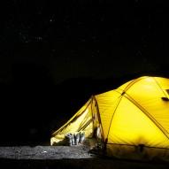 Latarki Biwak, obóz, kolonie – 8 rzeczy, jakie powinny się znaleźć w plecaku dziecka